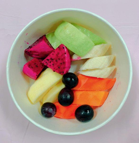 ▲每天都吃到五種蔬果,且是五種不同的顏色,正好符合國人傳統所說的五行,且有人試了覺得真的有其神奇之處。(照片/台灣扶農協會提供)